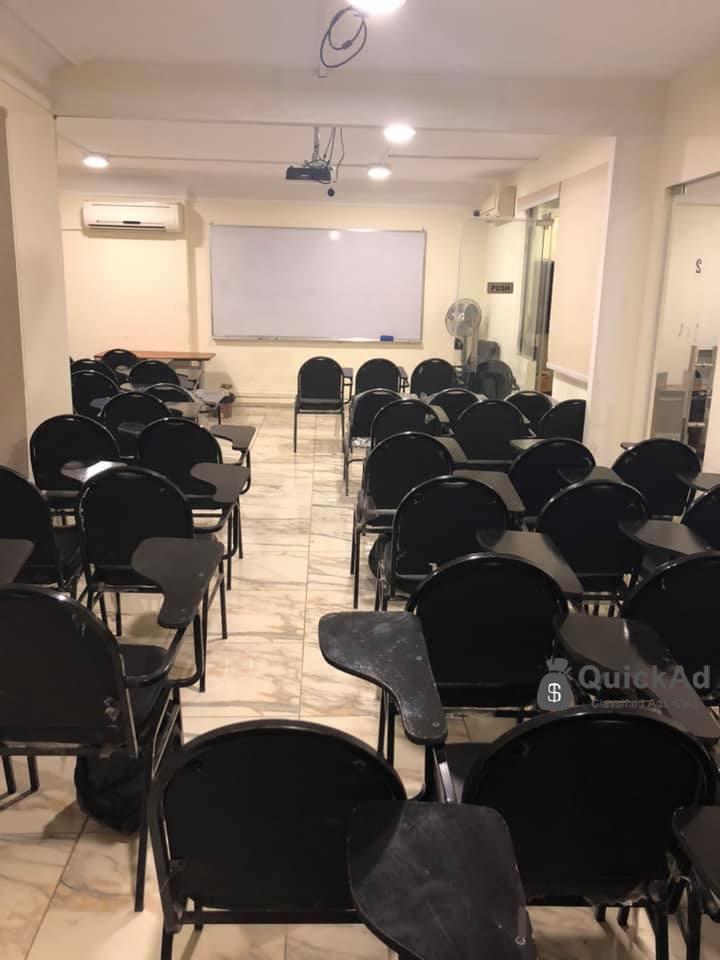 قاعات محاضرات مكيفة للايجار